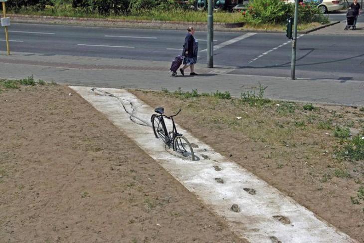 Fahrradfahrt auf frischem Beton