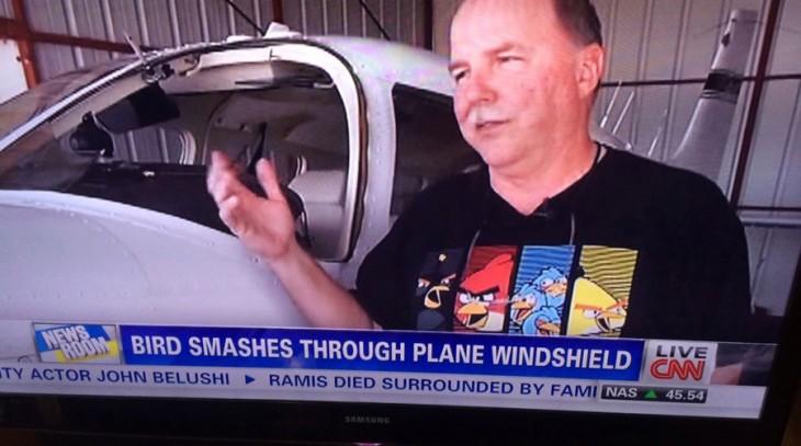 Flugzeug gegen Angry Birds